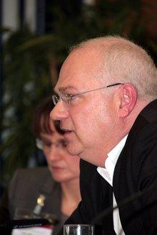 Direktor des Instituts für Bildungs- und Sozialpolitik der FH Koblenz (ibus)