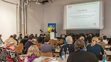 """Arbeitsmarktpolitische Fachtagung am 05.11.2015: """"Weiterbildung und Qualifizierung fördern - Chancen und Herausforderungen für eine Arbeitsmarktpolitik für alle!"""""""