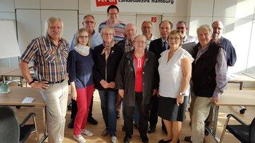 Gruppenfoto von ver.di-Versichertenberater*innen und -älteste am 24. August in Hamburg
