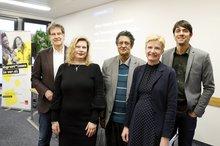 v.l.n.r.: Prof. Thomas Hestermann, Konstantina Vassiliou-Enz, Jinah Hussein, Cornelia Berger, Romin Khan