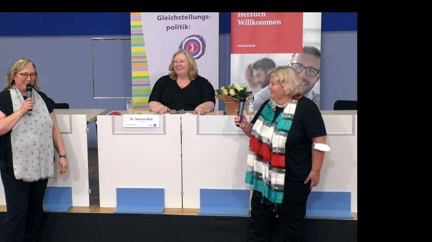 Die Veranstalterinnen der 16. Frauen-Alterssicherungskonferenz am 6.7.2021; v.l.n.r.: Karin Schwendler (ver.di-Bereichsleiterin Frauen- und Gleichstellungspolitik), Dr. Simone Real (stv. Abteilungsleiterin SoVD), Dr. Judith Kerschbaumer (ver.di-Bereichsleiterin Arbeitsmarkt- und Sozialpolitik)